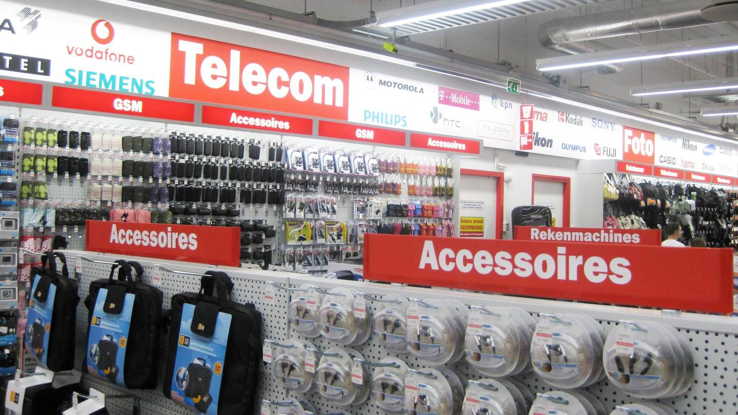 Large selection of electrical goods and accessories in Media Markt shop